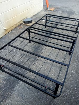 Twin size bed frame for Sale in Hyattsville, MD