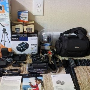 Sony Handycam HDR-XR550V w/ Carry Bag, Tripod, and Various Accessories for Sale in Scottsdale, AZ