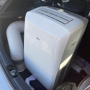 AC Unit LG Dual Inverter 14000 BTU With Remote for Sale in Santa Fe Springs, CA