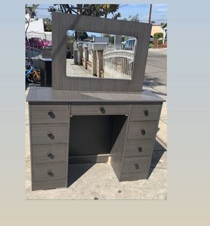 Grey vanity table with mirror $175 for Sale in Los Angeles, CA