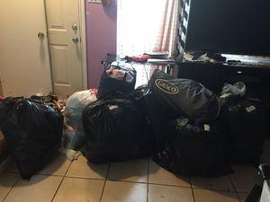 Vendo todas estas bolsas son 8 traen de todo para garage for Sale in Houston, TX