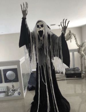Halloween 6'8ft Tall Towering Glowing Phantom Prop (Read Description) for Sale in Hialeah, FL