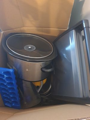 Various Kitchen Appliances and Pots for Sale in Laurel, MD