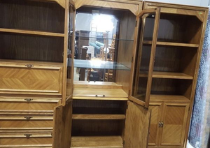 Gorgeous Wall Unit - Delivery Available for Sale in Tacoma, WA