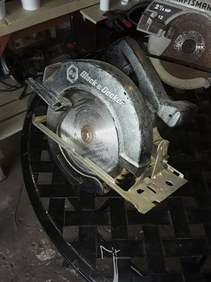ELECTRIC BLACK & DECKER CIRCULAR SAW..WORKS GOOD for Sale in Indianapolis, IN