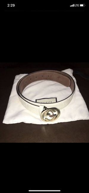 White gucci belt gold buckle authentic for Sale in Scarsdale, NY