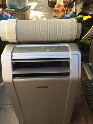 Everstar portable air conditioner 9,500 btu. In good working conditions for Sale in Los Angeles, CA
