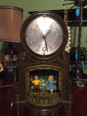 Antique vintage MasterCrafters 1940s Clock with swinging children. Clock works but swingers do not. 7x4x11. 35.00. Main Street Buda. for Sale in Austin, TX