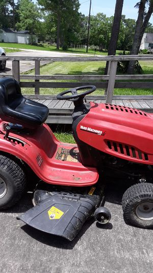 """YARD MACHINE (42"""") TRACTOR MOWER for Sale in OLD RVR-WNFRE, TX"""