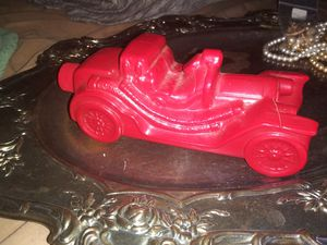 VINTAGE RED FIRE TRUCK GLASS PERFUME BOTTLE for Sale in North Aurora, IL
