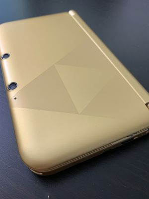 Triforce 3DS XL Zelda A Link Between Worlds Limited Edition for Sale in Chantilly, VA