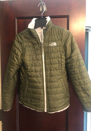 2 girls size 10-12 NorthFace reversible coats for Sale in West Hartford, CT
