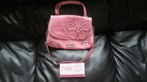 Guess purse and wallet for Sale in St. Louis, MO