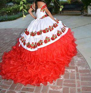 Vestido ee 15 mecosto 1000 y lo doi en 500 for Sale in Hayward, CA
