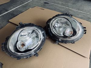 Mini Cooper Headlights OEM LE 05 E 6141 for Sale in Las Vegas, NV