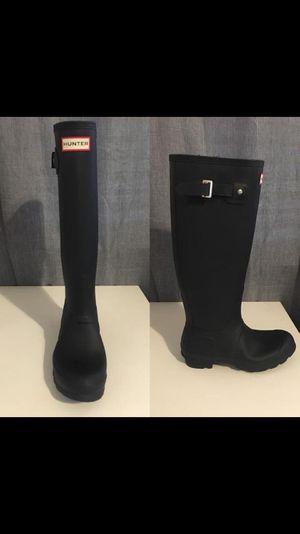 Female hunter rain boots for Sale in Fresno, CA