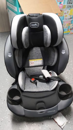 Car seat for Sale in Dearborn, MI