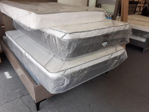 full pillow top mattress with boxspring for Sale in Rialto, CA