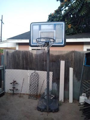 Portable basketball hoop for Sale in Phillips Ranch, CA