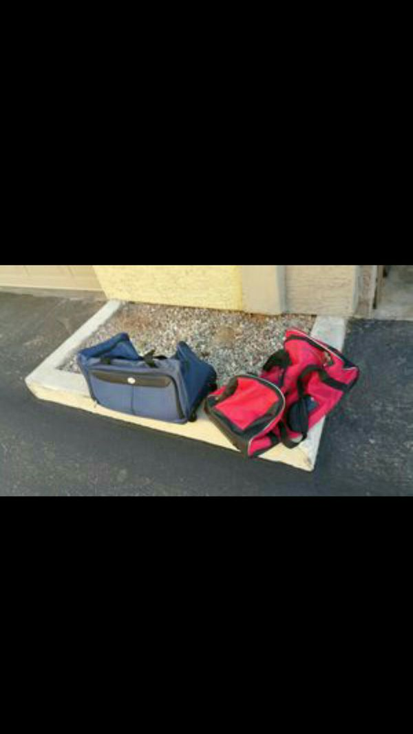 "22"" Duffle Bags transforms into Luggage"