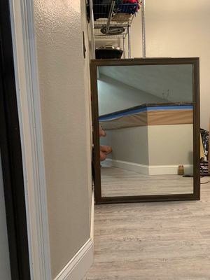 Drawer chest with mirror and night table for Sale in Dunedin, FL