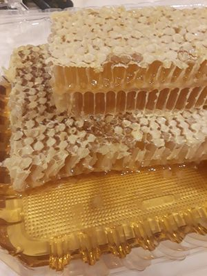 2 lbs Fresh Honey Comb Organic Natural Raw for Sale in Long Beach, CA