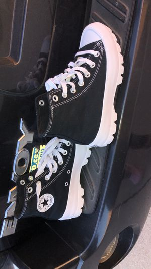 Converse Chuck Taylor All Star Lugged for Sale in Calumet City, IL