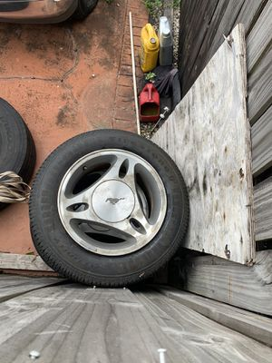 Ford Mustang rims for Sale in Hialeah, FL