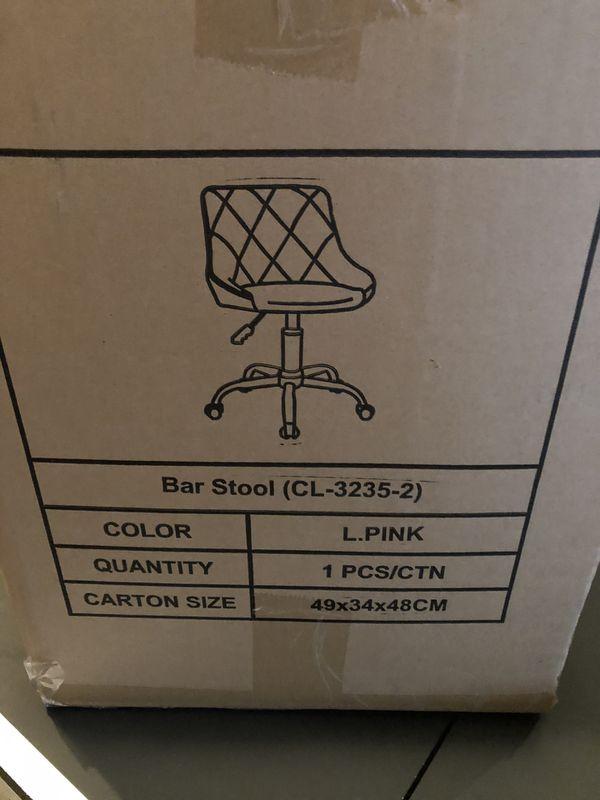Salon Beauty adjustable rolling stool