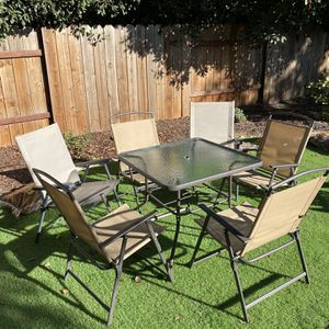 Patio Table And Chairs for Sale in Sacramento, CA