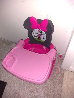 Cute Daysy Booster Seat for Sale in Alexandria, VA