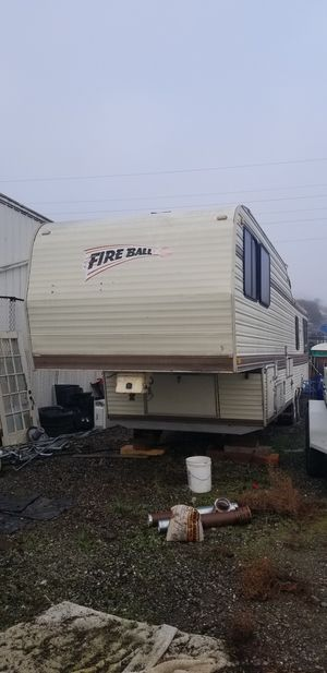 1985 Fireball Fithwheel trailer 38ft for Sale in Martinez, CA