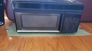 Maytag microwave and vent for Sale in Paso Robles, CA
