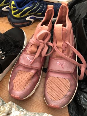 Sneakers/shoes for Sale in Philadelphia, PA