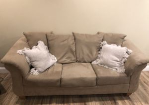 Couch and love seat 275.00 for Sale in Lincoln, RI