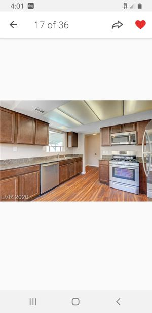 ATTENTION HOUSE FLIPPERS NEW Kitchen Cabinets , Countertops & Kohler Sink for Sale in Las Vegas, NV