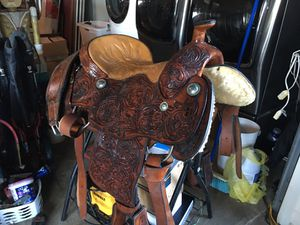 Western saddle never used in good condition it's been seating for two years for Sale in Homestead, FL