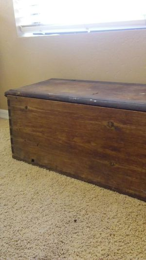 Old tongue in groove tool box for Sale in Payson, AZ
