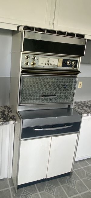 Vintage 1960's Frigidaire Flair Custom Imperial Electric Range Oven - It works! for Sale in PA, US