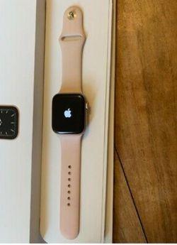 Apple watch series 5 for Sale in Auburn,  WA