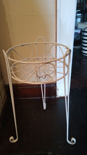 Flower pot stand for Sale in Columbus, OH