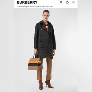 Burberry tything coat for Sale in Morton Grove, IL