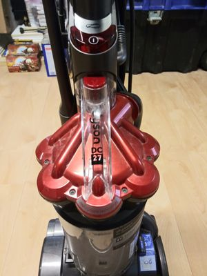Dyson dc27 very strong vacuum for Sale in Tampa, FL