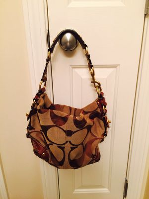 Coach brown hobo bag for Sale in North Reading, MA