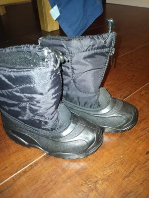 Snow toddler boots size 10 for Sale in Las Vegas, NV