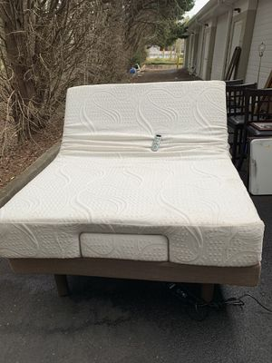 Temperpedic adjustable massage queen size bed frame with mattress for Sale in Snellville, GA