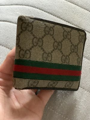 Gucci wallet for Sale in Revere, MA