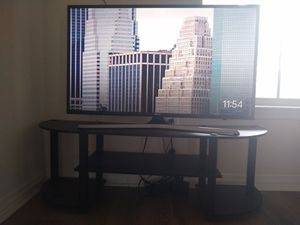 Samsung 40 inch smart tv with stand for Sale in Richardson, TX