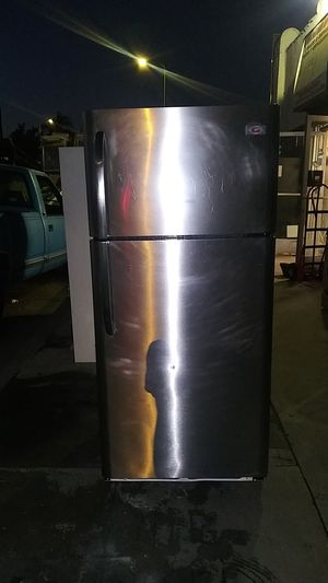 Stainless steel top & bottom refrigerator del & inst with a 30 day warranty for Sale in Los Angeles, CA