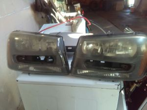 2002 TrailBlazer headlights 40 each for Sale in Detroit, MI